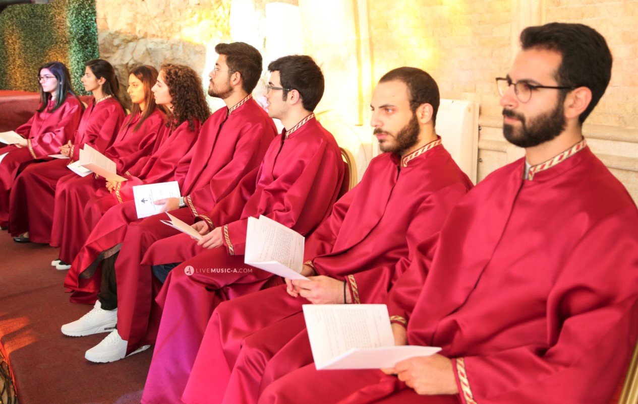 Choir in Red outfits