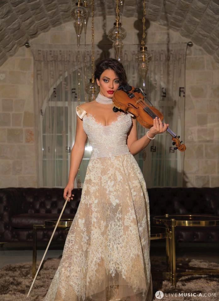 The violinist Hanine el alam - Lebanon