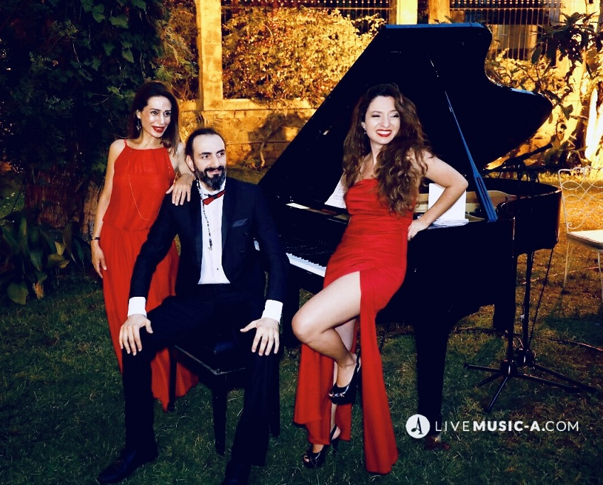 Trio Vivace in Black and Red