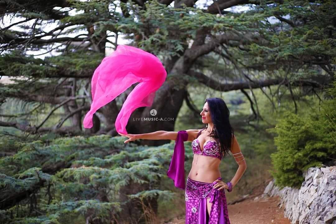 الرقص الشرقي في الأرز اللبناني  - Lebanese Oriental belly Dance